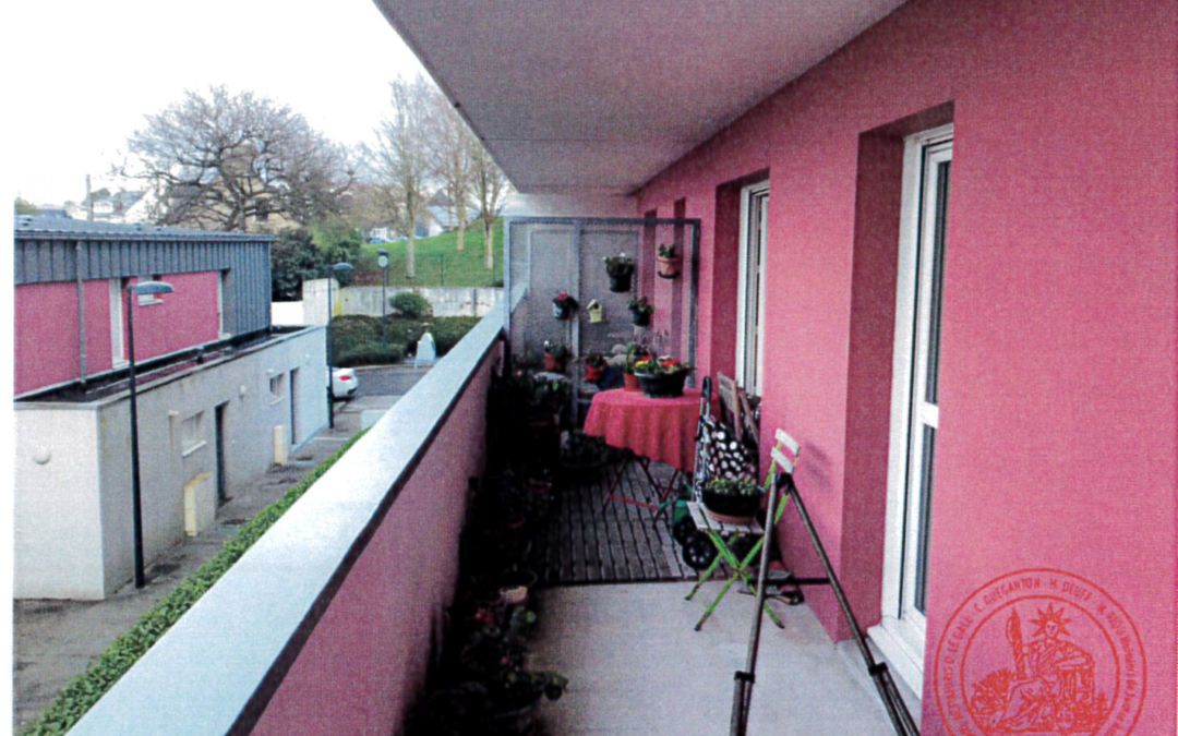 Un appartement (T3), une cave et une place de parking situés 99 rue Jules Lesven à BREST (29200)